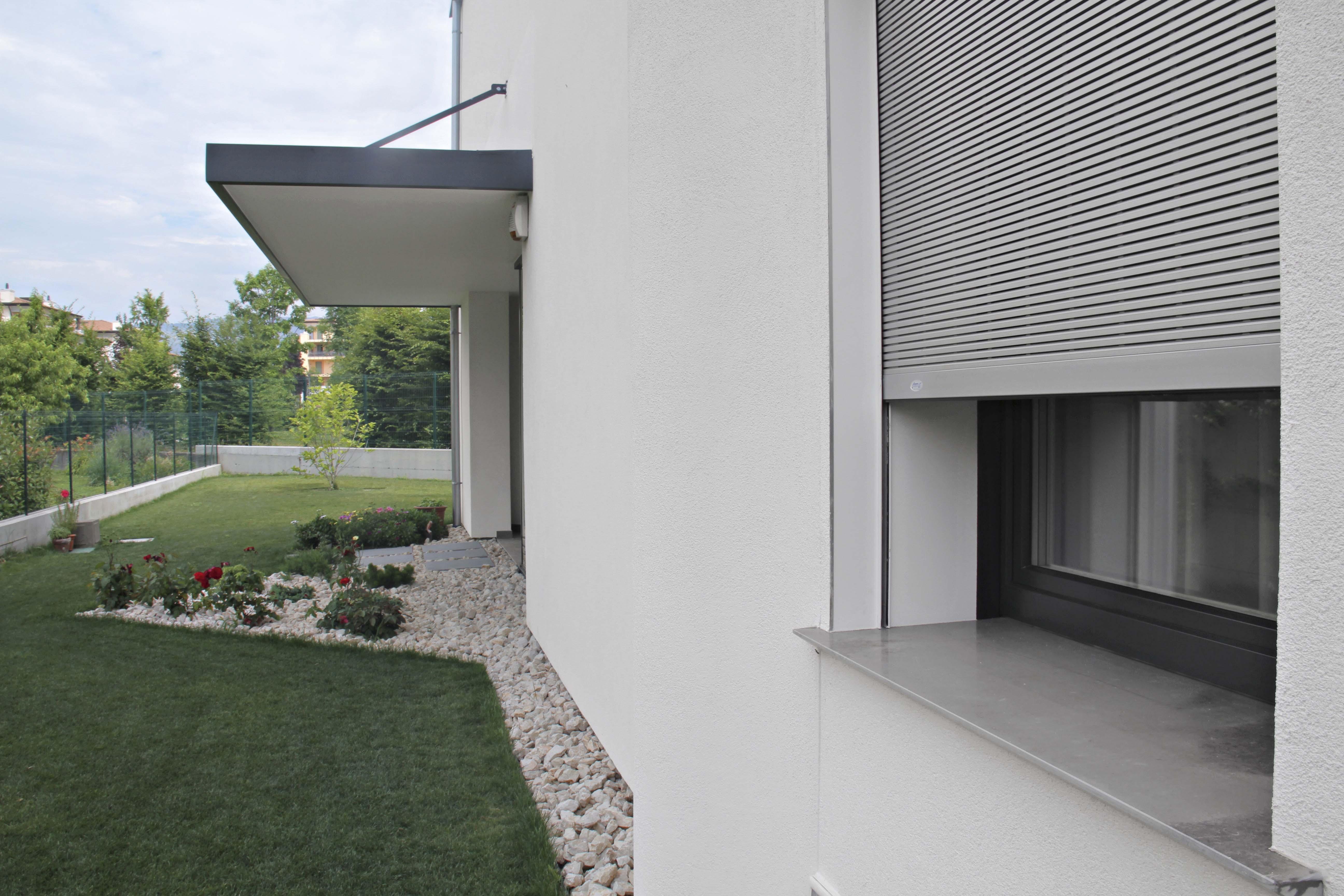 Impronta serramenti avvolgibili - Frangisole esterni per finestre ...